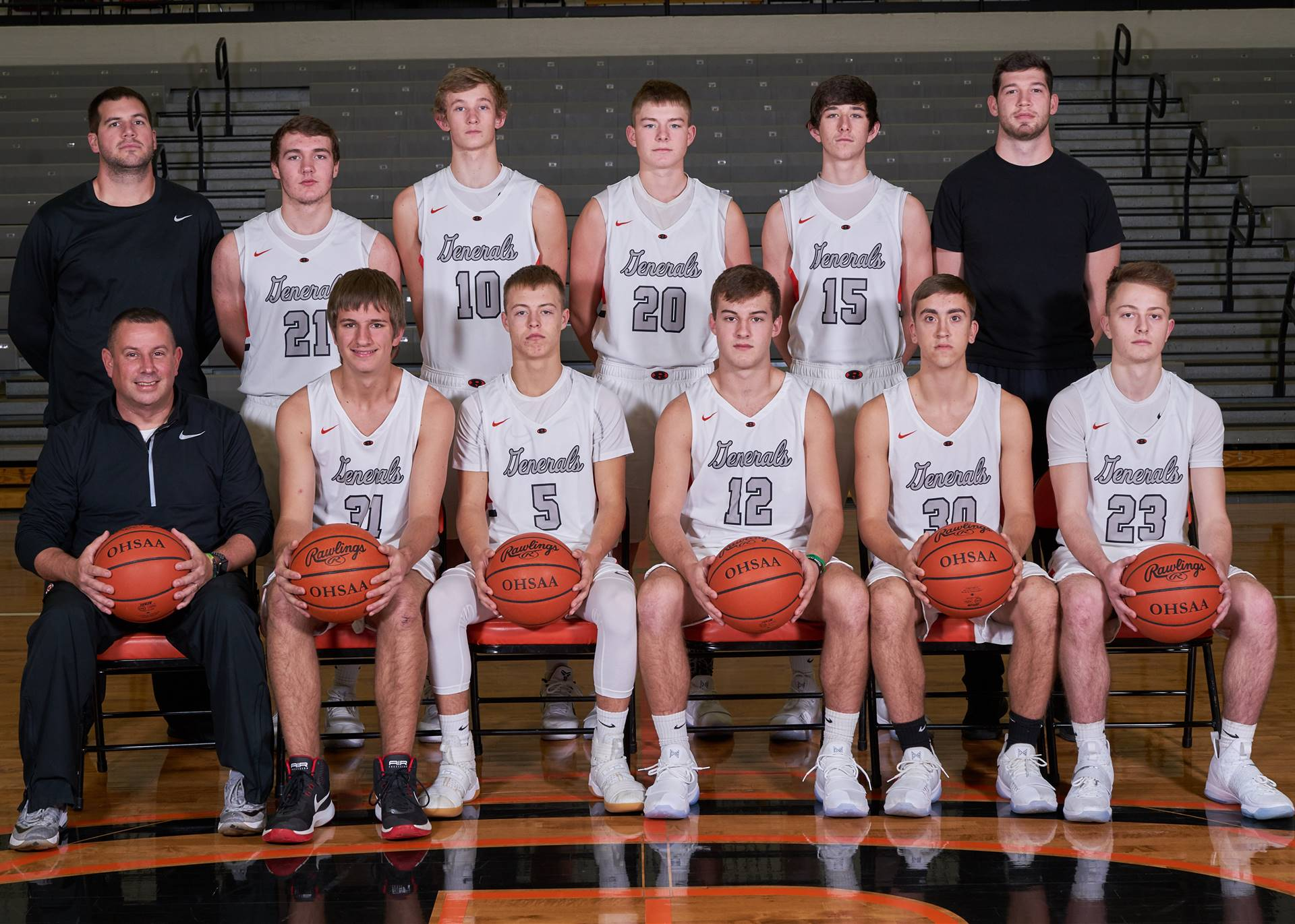 Boys Basketball - Varsity